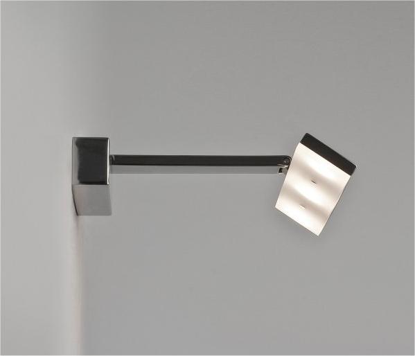 led bathroom mirror light with adjustable head. Black Bedroom Furniture Sets. Home Design Ideas