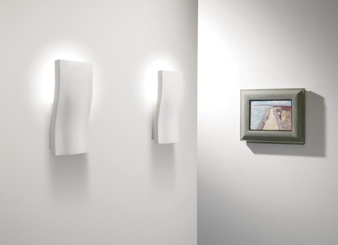 Plaster Wavy Wall Light