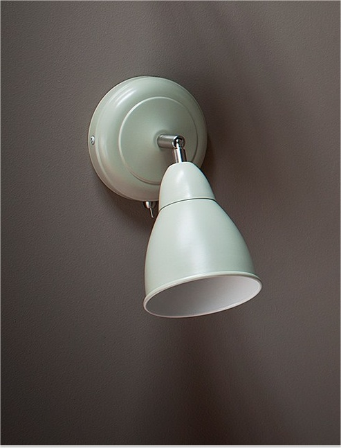 Wall Mounted Bedside Light - Classic Design