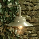 Classic Bracket Light for Exteriors