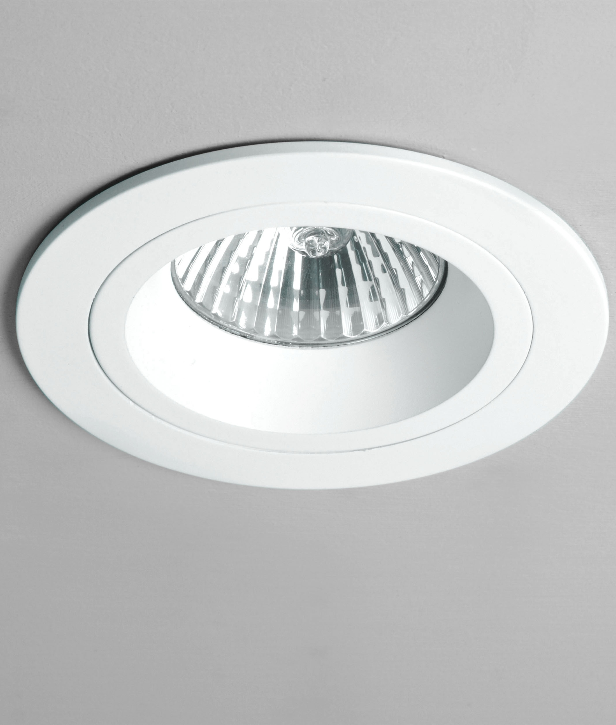 Fixed Round Mains Downlight- Saving you �2.63