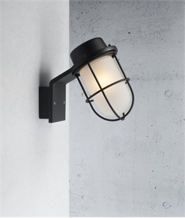 Marine Styled Wall Light IP44 Rated