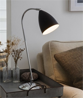 Classic Style Desk Lamp with Metal Shade
