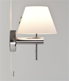 Bathroom Safe Wall Light with Glass Shade and Pullcord
