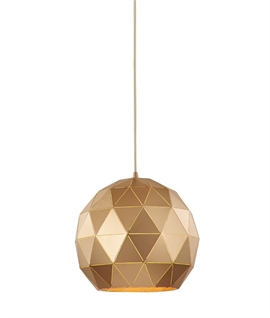 Geometric Pendants with Lightspill Effect