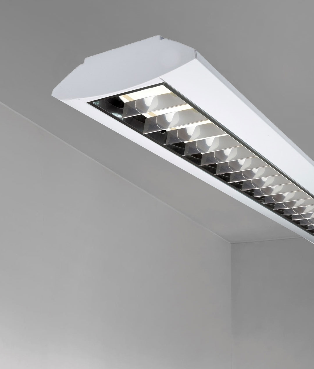Twin Fluorescent Fitting Surface Mounted Or Suspended