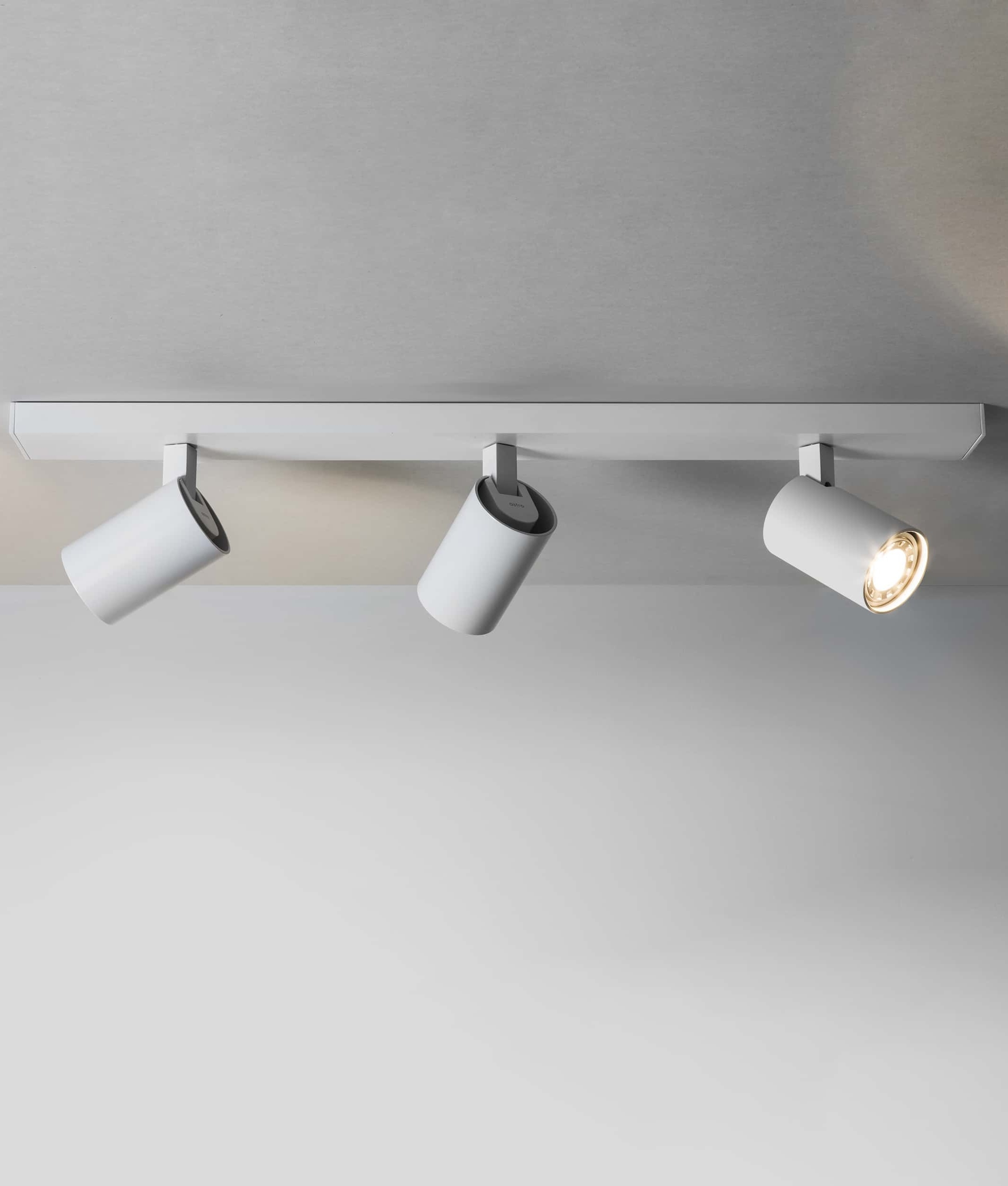 Modern 3 Light Spot Bar - Two Finishes
