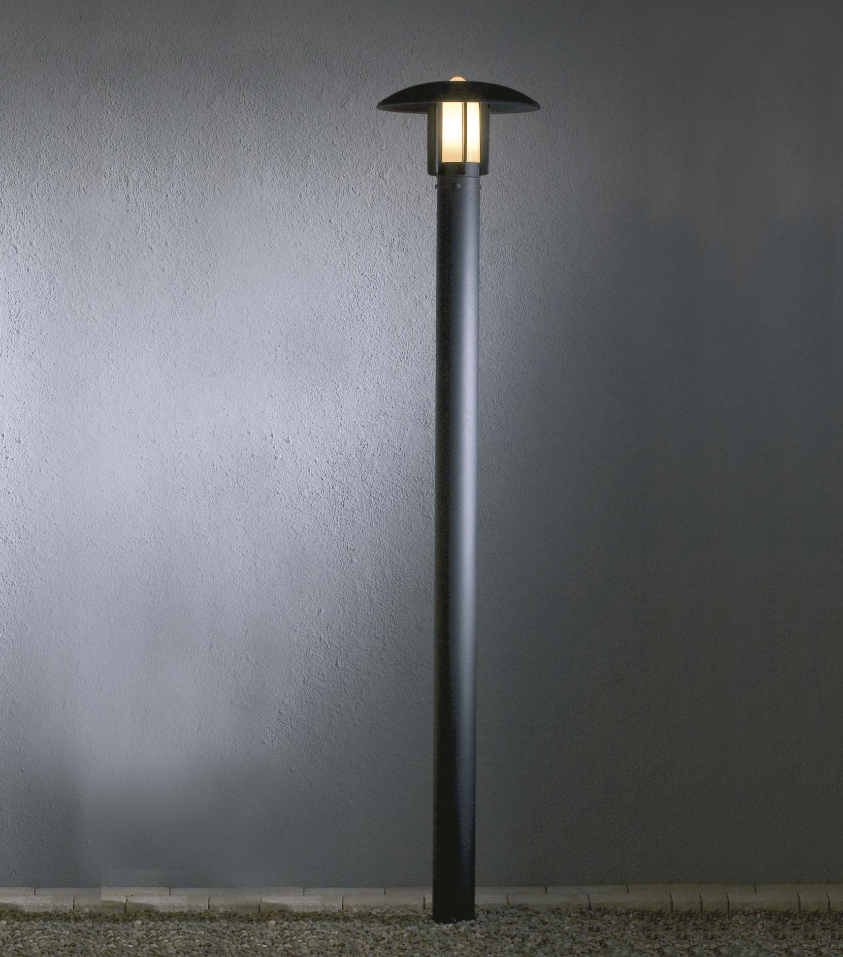 Shorter Lamp Post For Garden And Light Commercail Use