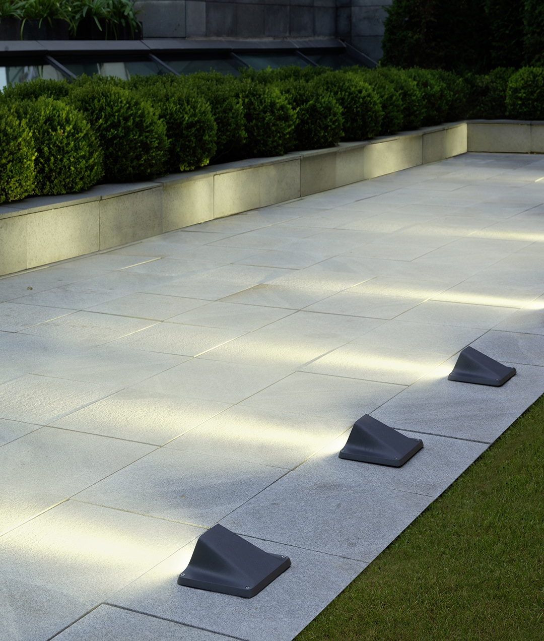 5 Pathway Lighting Tips Ideas Walkway Lights Guide: Exterior Angular Recessed LED Guide Light For Pathways