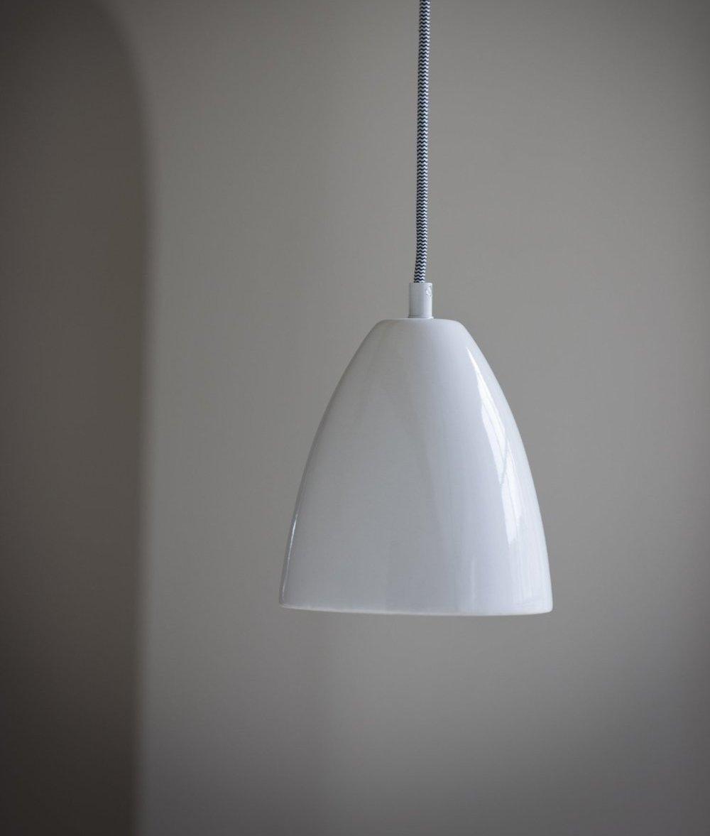 Ceramic Pendant With Black Amp White Flex