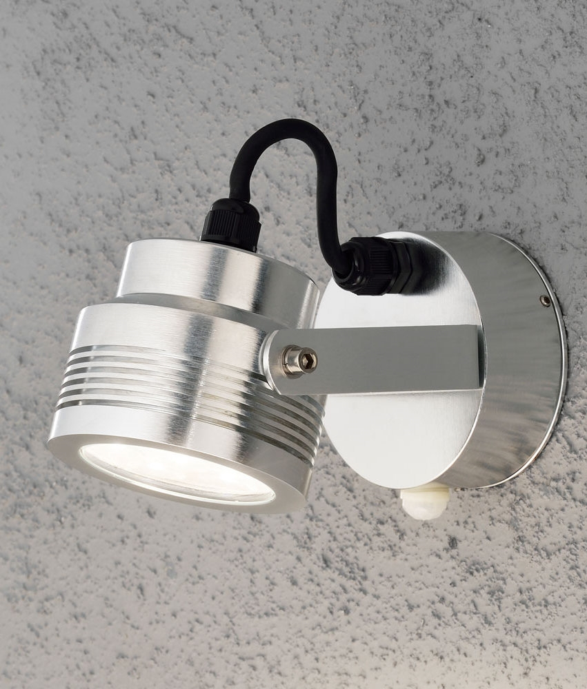High Powered Led Exterior Adjustable Wall Light With Pir