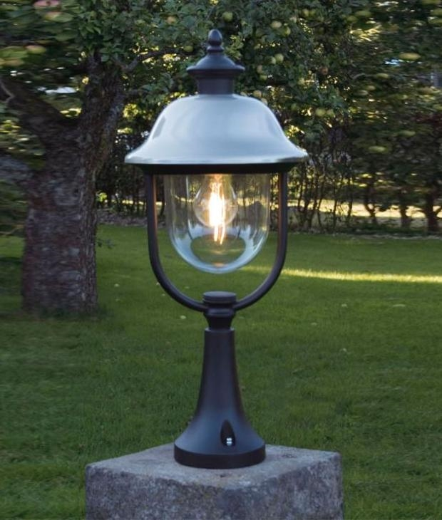 Outdoor Landscape Lighting Garden Post : Matt black outdoor post light perfect for gardens or gate posts