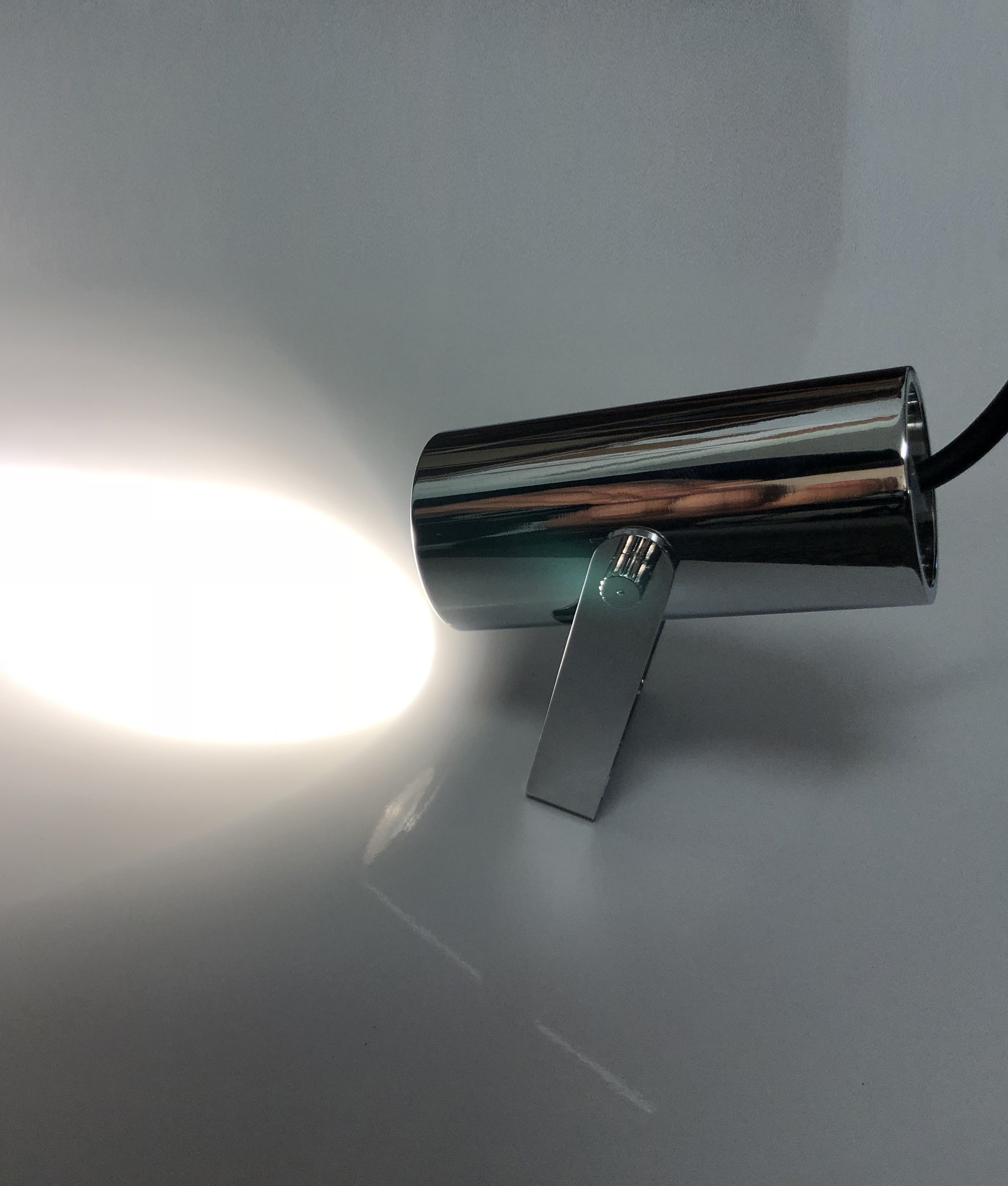 Ultra Compact Led Spotlight In Chrome Great For Uplight