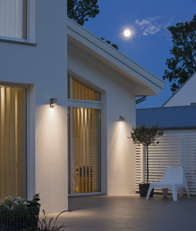 Ip44 Single Lamp Wall Light For Exterior Use With Motion