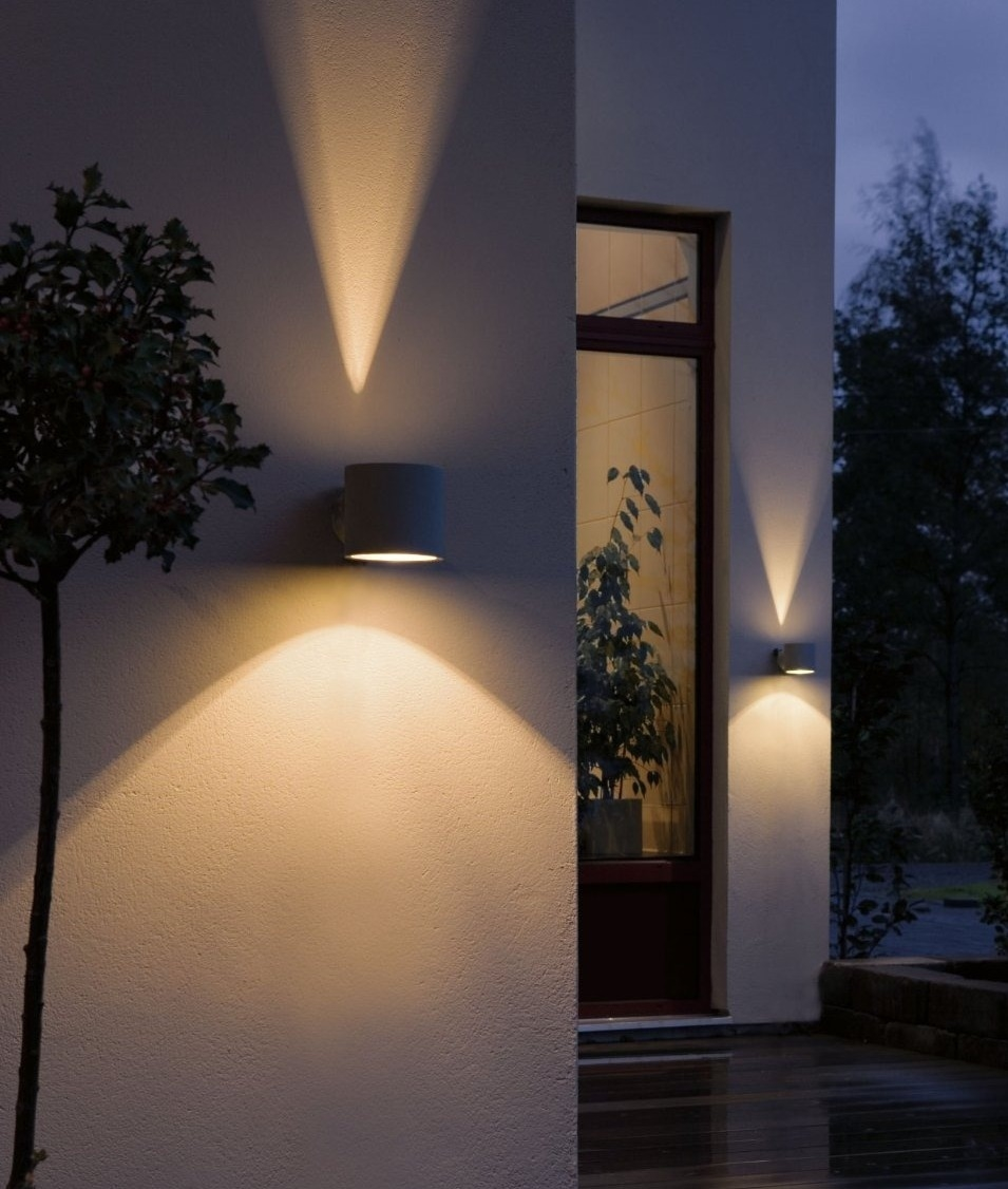 Cylindrical Wall Light With A Fan Effect
