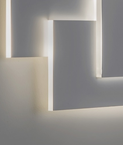 Elegant Sculptural Wall Light