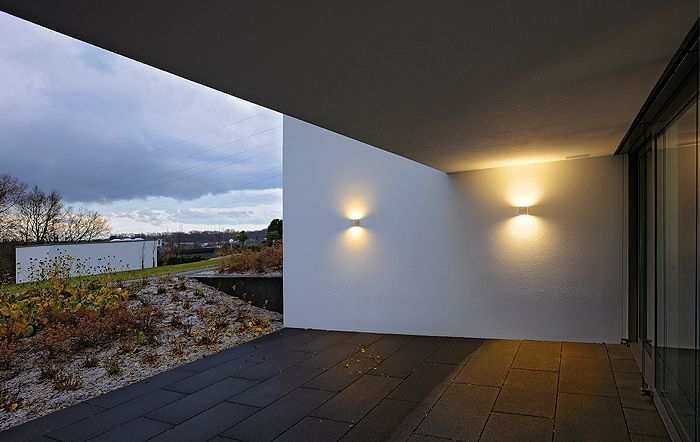 Exterior Up And Down Wall Light In A Cube Shape