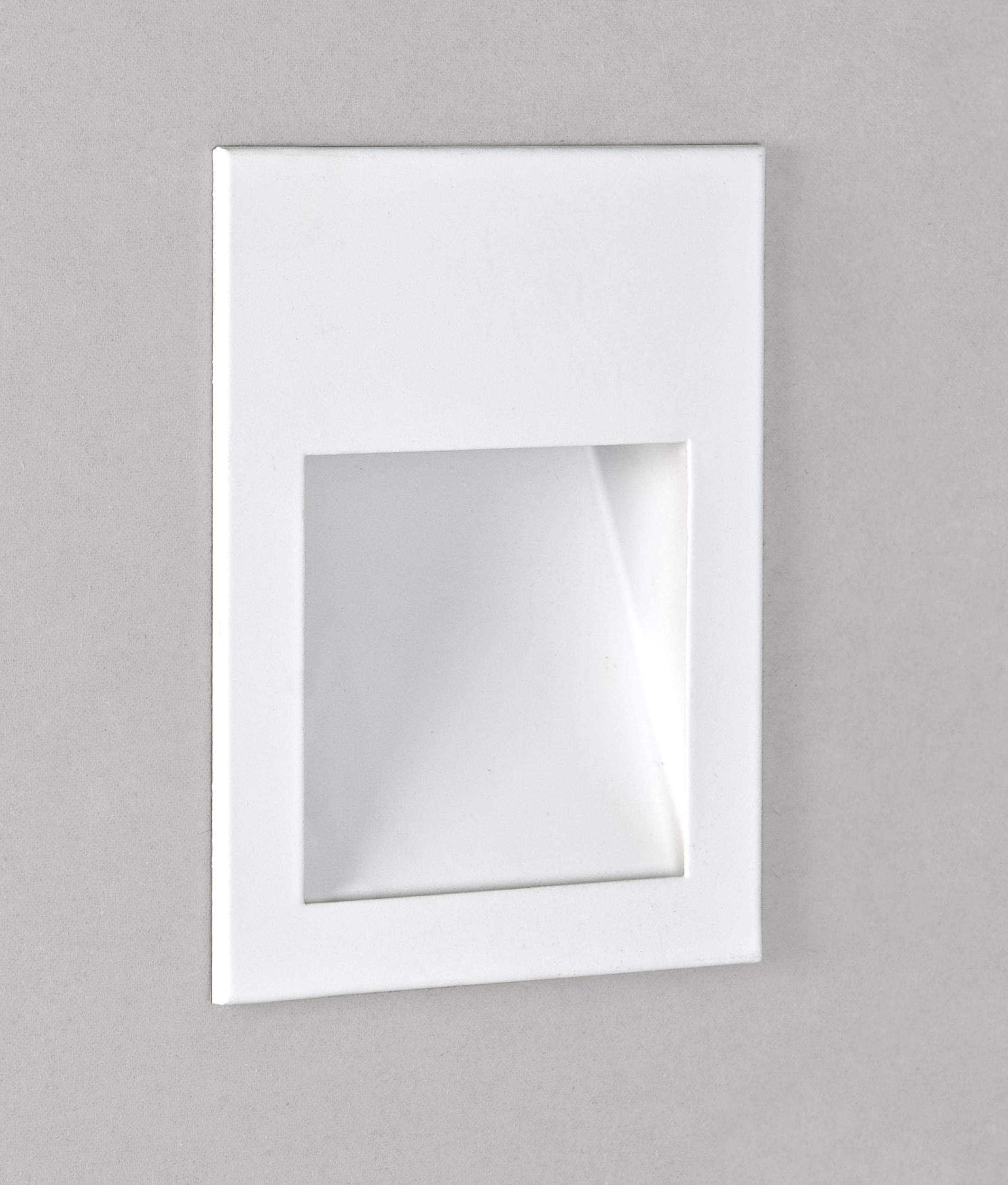 led recessed low level wall light