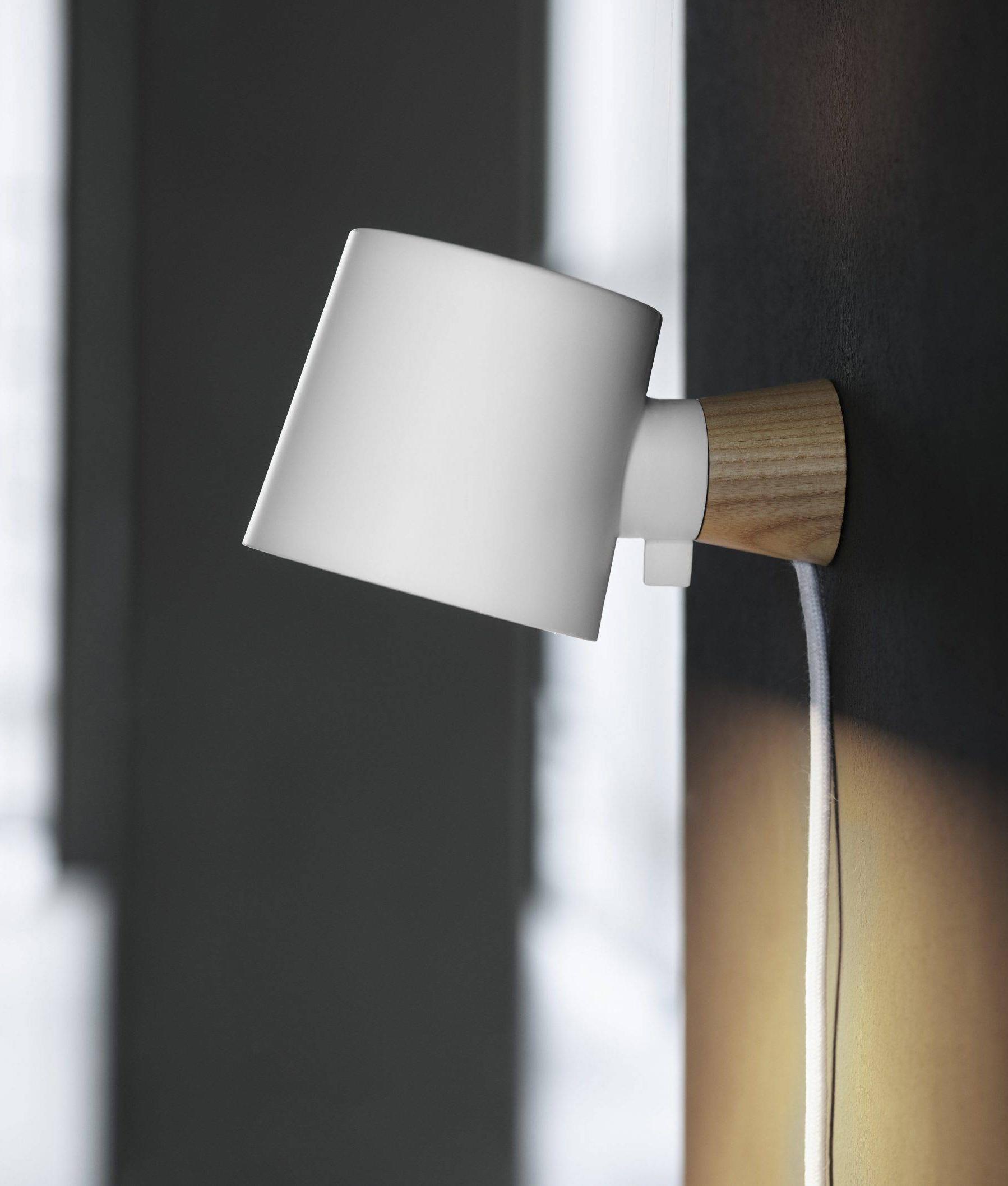 Trailing Lead Rise Wall Lamp