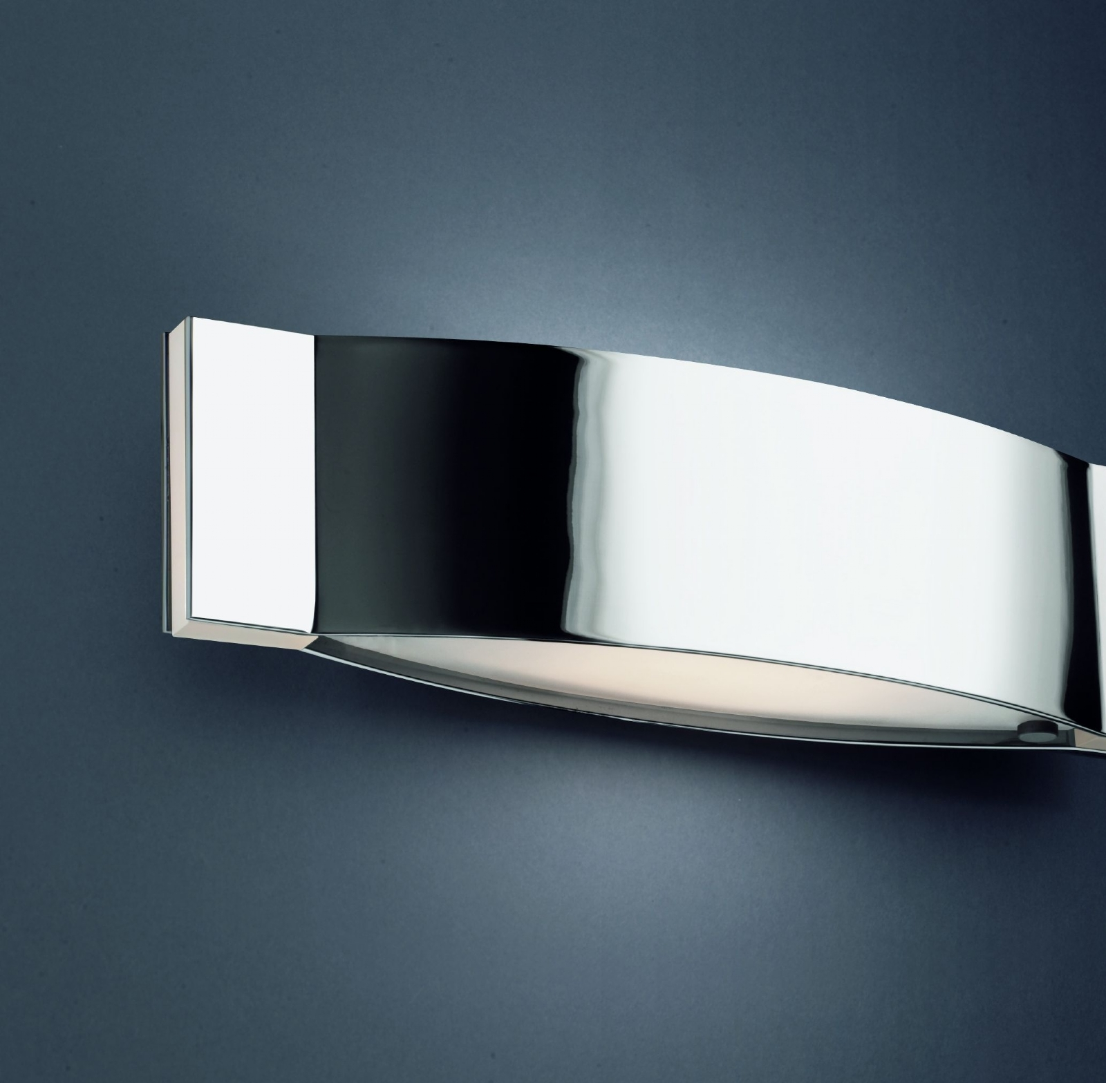 Up down wall light with interchangeable end inserts - Luminaire mural design ...