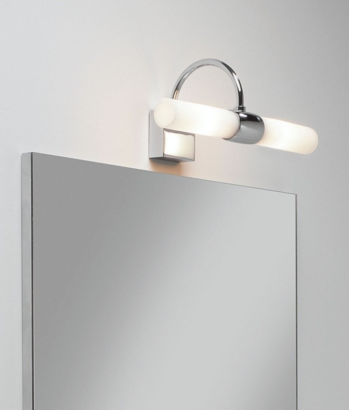 Bathroom wall light polished chrome for Bathroom lights above mirror