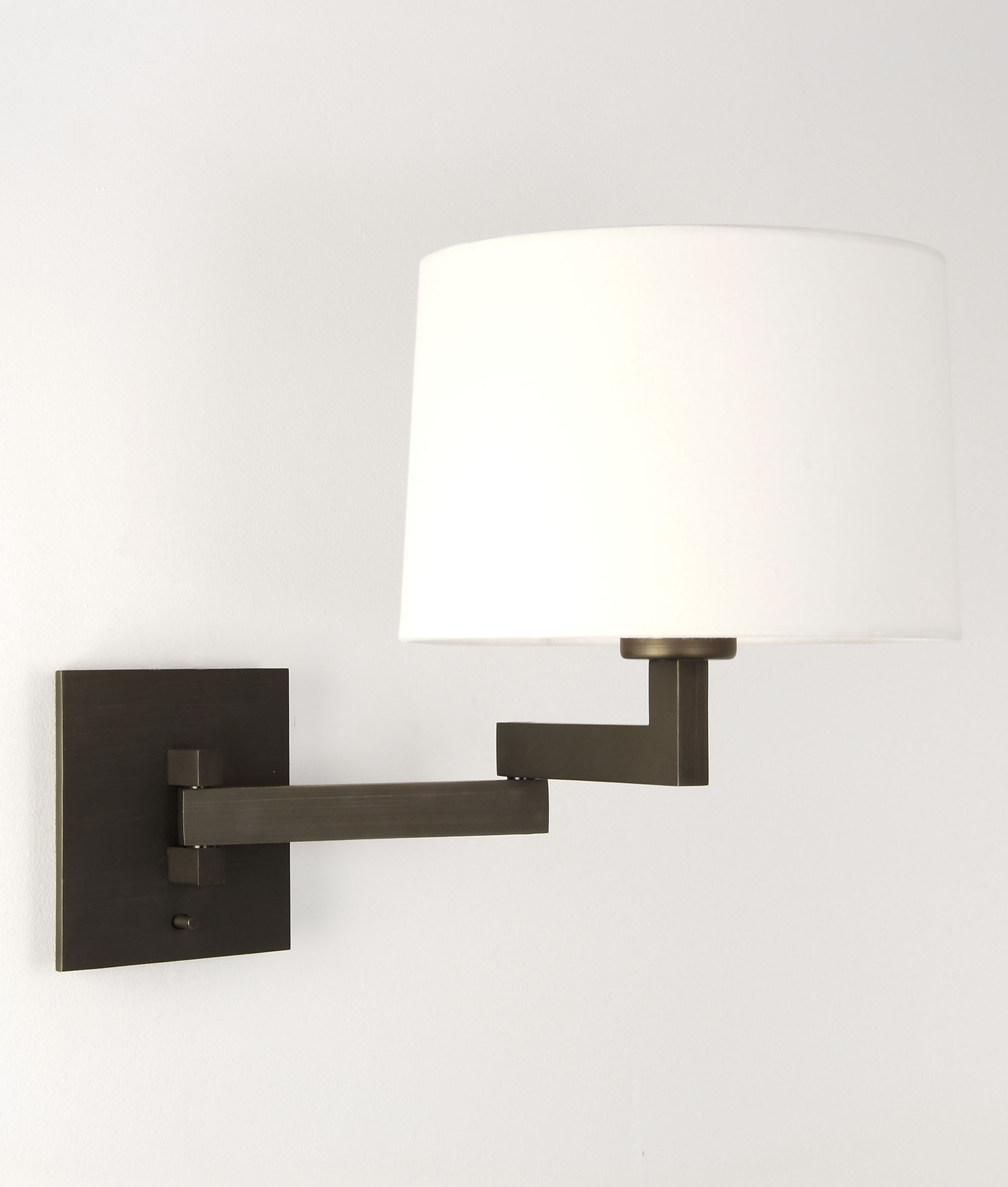 Wall Lamp With Extending Arm : Swing Arm Bracket Wall Light with Shade