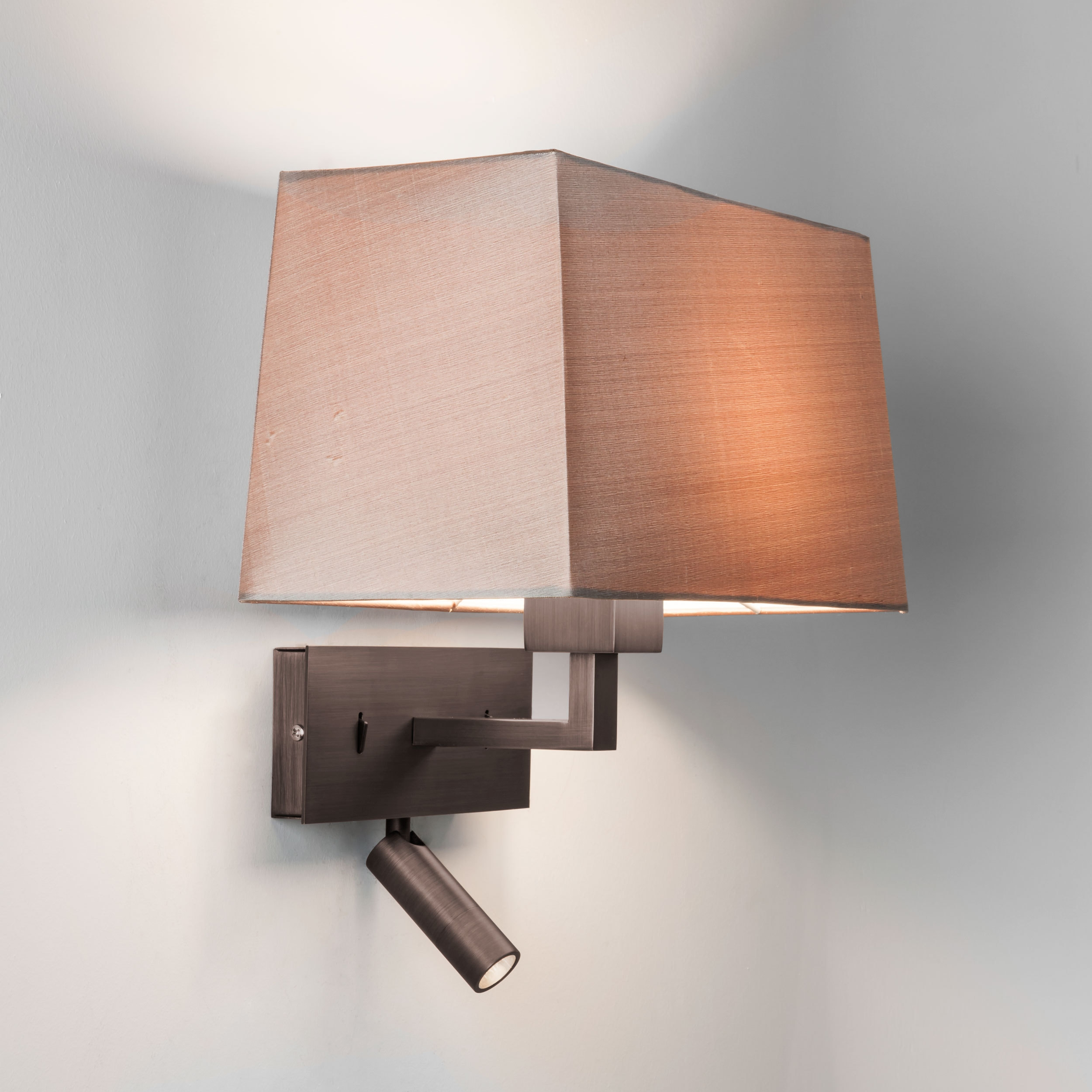 Switched Bedside Reading Light With Pivoting Led Arm
