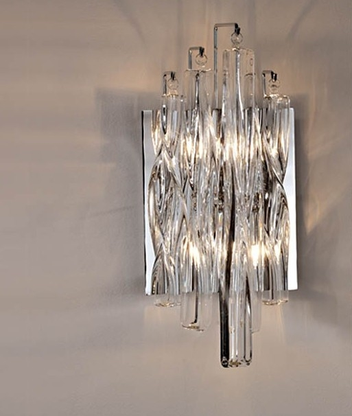Wall Light with Swirled Crystal Glass