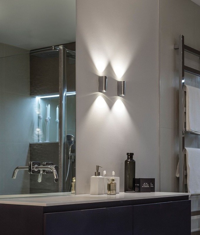 Wall Sconces Next To Mirror : Polished Chrome LED Bathroom Wall Light