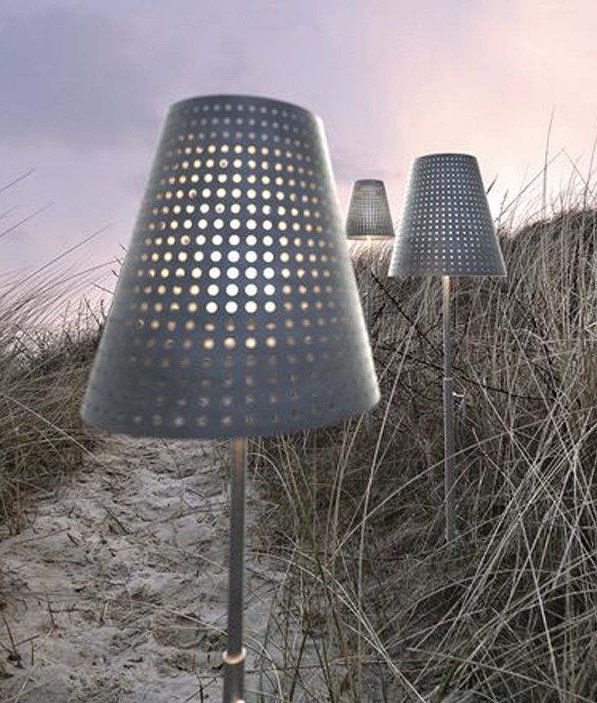 Outside Lights No Earth: Exterior Standard Lamp With Earth Spike