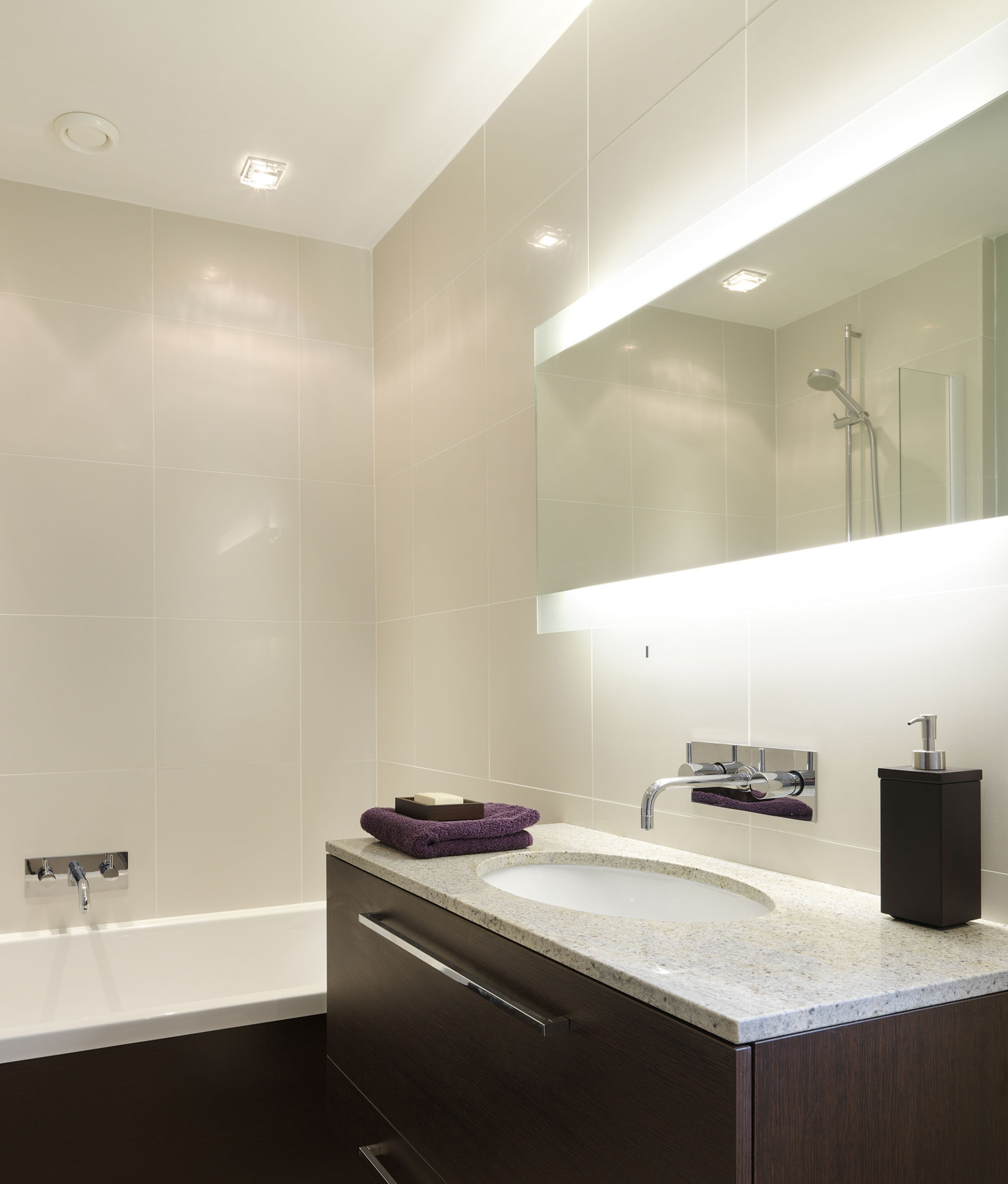 Wide 1250mm Backlit Bathroom Mirror For Bathrooms
