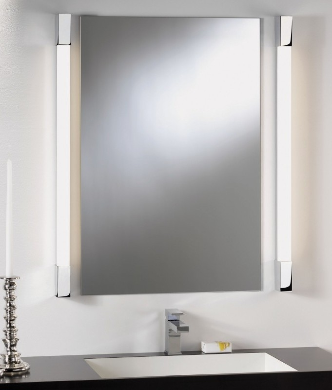 Over mirror light square edges for Over mirror bathroom lights