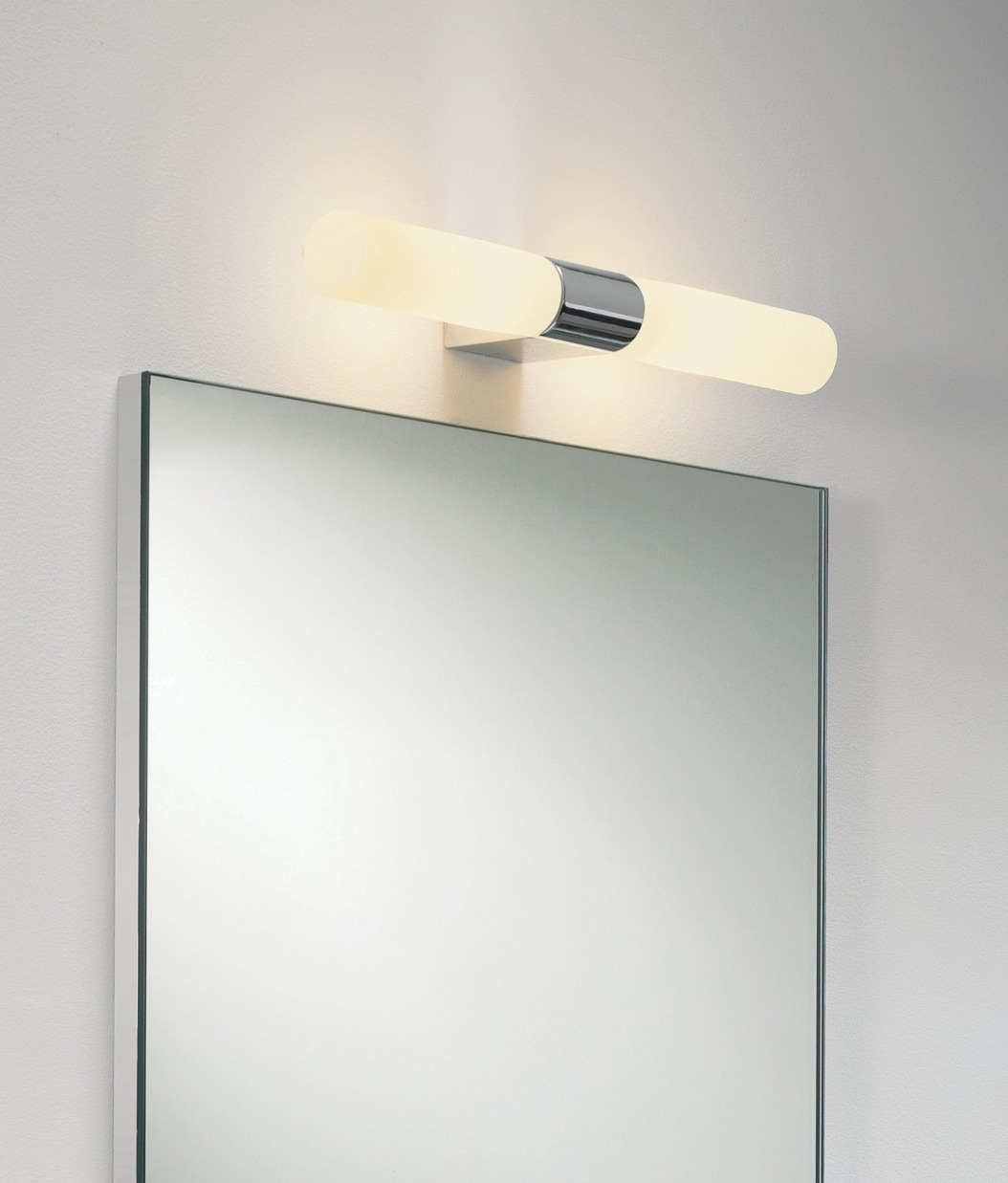 Polished chrome twin bathroom wall light Polished chrome bathroom mirrors