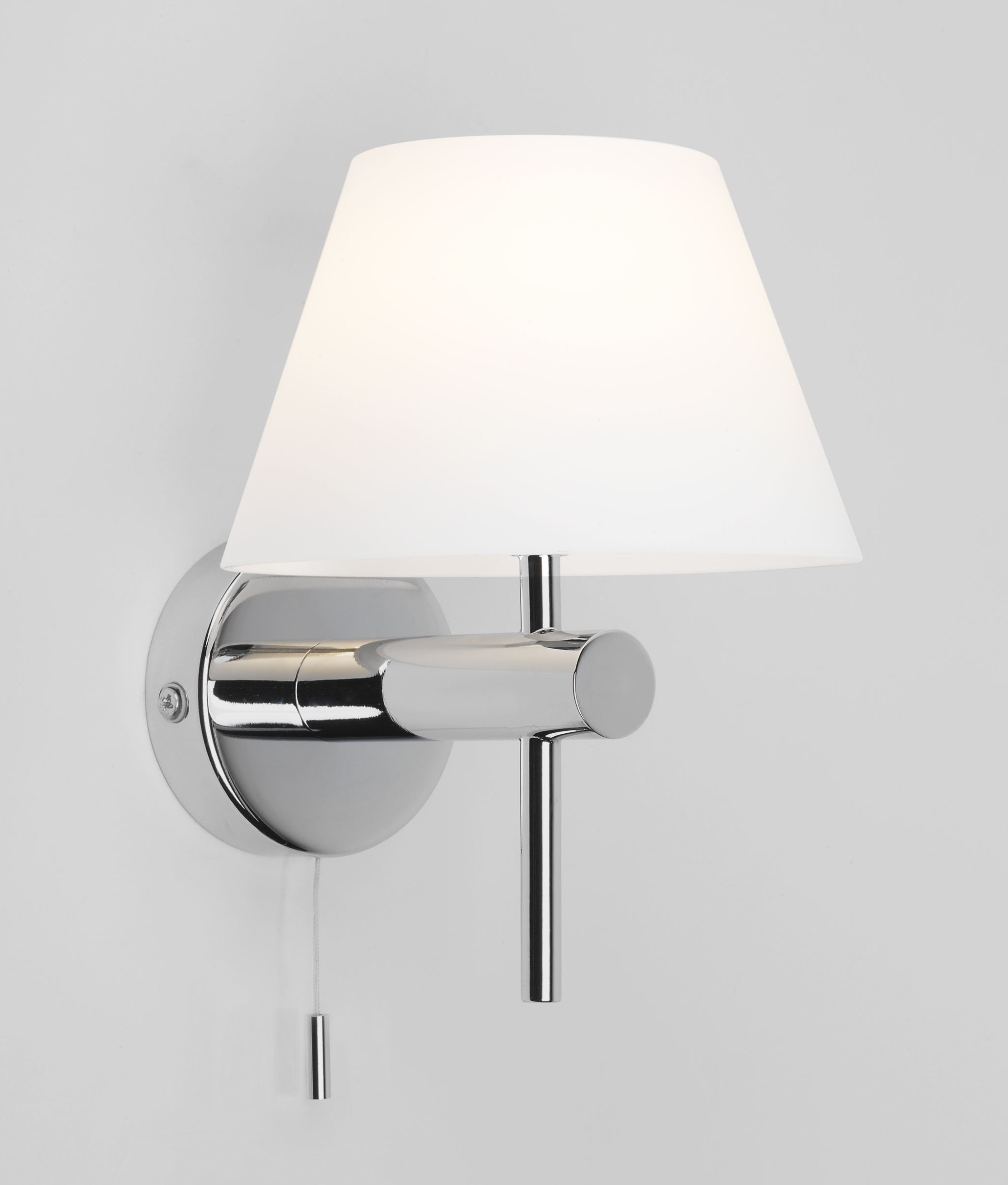 Bathroom Safe Wall Light With Glass Coolie Shade And Pullcord