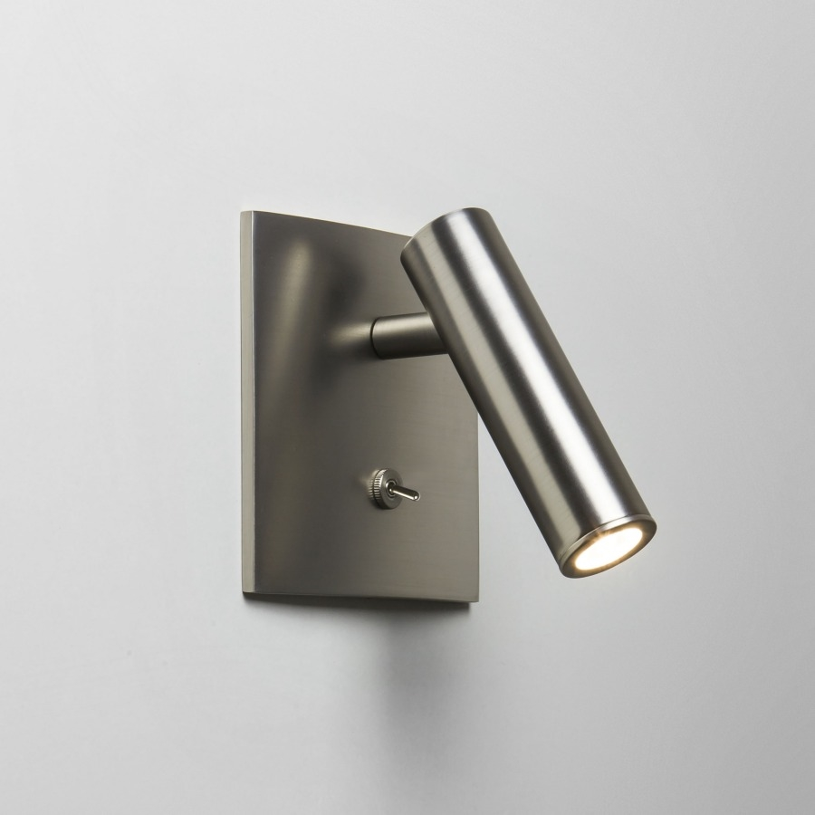 Stylish led adjustable wall light 6 finishes and switched for Applique cuisine avec interrupteur