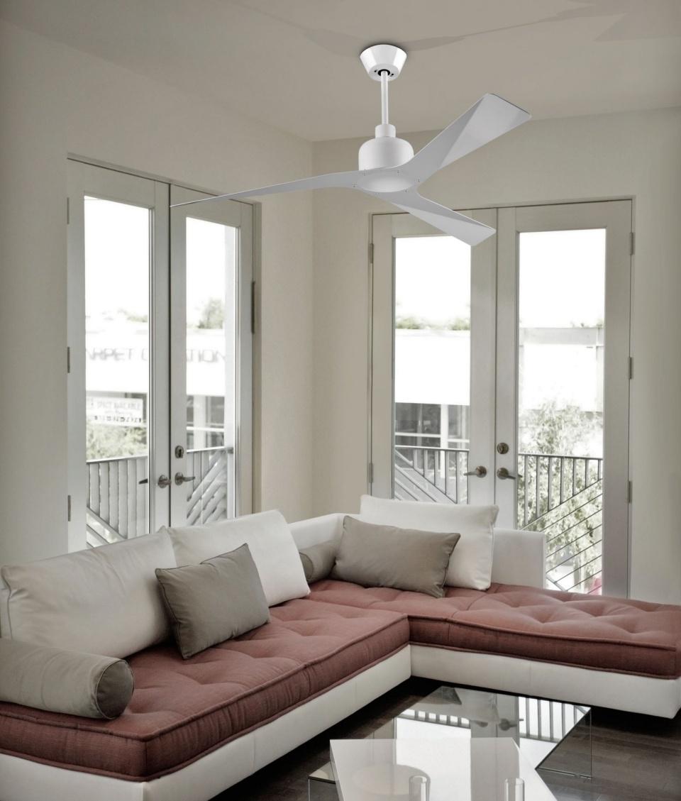 15 Ultra Modern Ceiling Designs For Your Master Bedroom: White Ultra Modern Ceiling Fan