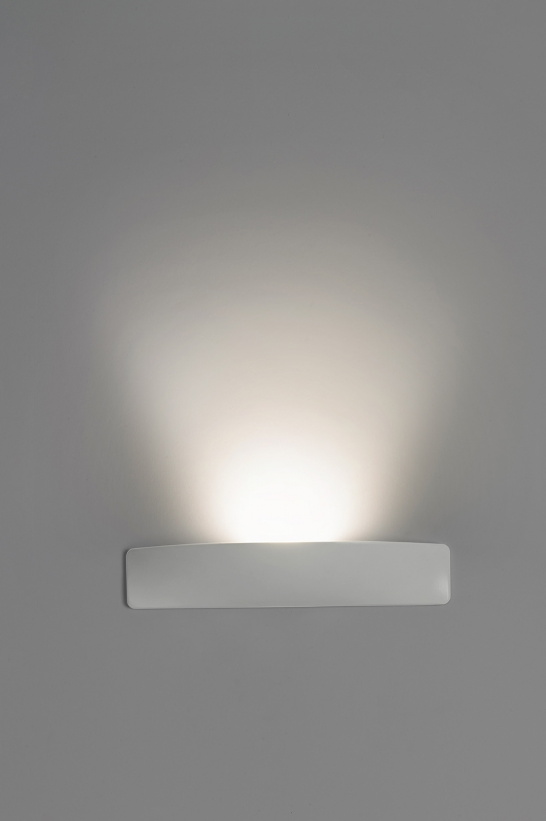 slim led wall light with interchangeable filters