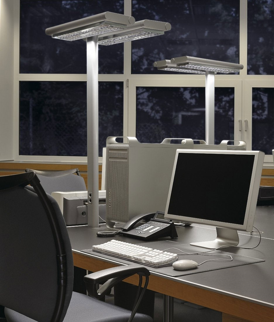 Stylish Free Standing Floor Light For Workstations